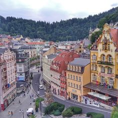 #reveltonholiday Who hasn't heard of the modern European spa resort of Karlovy Vary yet? ❓😜 The time flies without haste in Karlovy Vary, as if local people themselves do not hurry anywhere.👫 Some of well-known