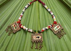 Afgano Kuchi collar, collar babero colgante, tribales, joyas Kuchi, antigüedad, bailarina, Hippie, étnico collar, gitanos collar de Boho del vientre de CraftEastShop en Etsy https://www.etsy.com/es/listing/264649733/afgano-kuchi-collar-collar-babero