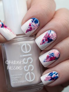 Dare to try this funky nail design? Watch a tutorial to design your very own splatter nails! Splatter nails are a trend giving your nails a major upgrade. Beautiful Nail Art, Gorgeous Nails, Love Nails, Pretty Nails, Beautiful Images, Marble Nail Art, White Nail Art, White Nails, Water Marble Nails