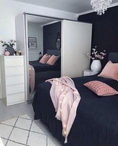 Trendy bedroom ideas for small rooms for teens bedside tables ideas Room Design Bedroom, Girl Bedroom Designs, Bedroom Layouts, Room Ideas Bedroom, Small Room Bedroom, Trendy Bedroom, Bedroom Colors, Home Decor Bedroom, Modern Bedroom
