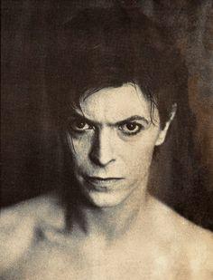 "David Bowie as ""The Elephant Man"", Chicago, by Anton Corbijn Angela Bowie, David Bowie, Elephant Man, Bowie Starman, The Thin White Duke, Slow Burn, Many Faces, David Jones, Record Producer"