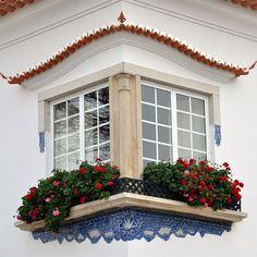Janela em Alcochete, Portugal                                                                                                                                                      Mais