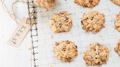 Der perfekte Nachtisch fürs Picknick: Müsli-Cookies | http://eatsmarter.de/rezepte/muesli-cookies