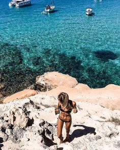 "Debi Flügge | Vegan Diet (@debiflue) on Instagram: ""hola #mallorca! we arrived yesterday and I am so happy to be back at the beachthat's where I…"""