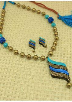 Gold Blue Terracotta Jewellery With Organic Paint Works. Terracotta Jewellery Online, Terracotta Jewellery Designs, Gold Jewellery Design, Clay Jewelry, Jewelry Sets, Beaded Jewelry, Jewelry Making, Thread Jewellery, Jewellery Shops