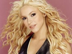 Shakira Hair Style