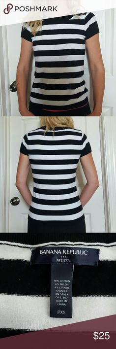 Banana Republic Black and White Striped T-Shirt Gently used in great condition Banana Republic Tops Tees - Short Sleeve