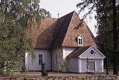 Kyrkan i Elimä (fi. Elimäki) i Kymmenedalen är den första på 1600-talet byggda korskyrkan i Finland. Martti Jokinen 1997, Museiverket/Byggnadshistoriska avdelningen.
