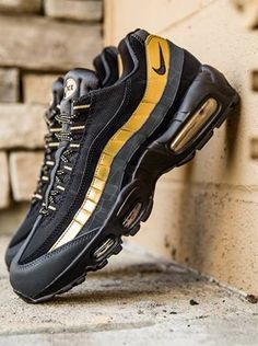 air max 95 black and metallic gold