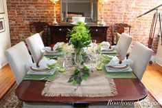 Rowhouseblog.com: Refreshing Lime Tablescape