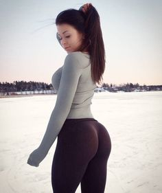 Sexy Teen Girls — yoga-pants-are-hot: Baby, it's cold outside Leggings, Yoga Pants Girls, Yoga Girls, Legging Sport, Fit Girl, Lany, Gym Girls, Girls Club, Hot Yoga