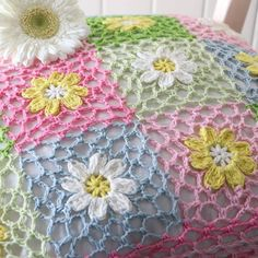 Transcendent Crochet a Solid Granny Square Ideas. Inconceivable Crochet a Solid Granny Square Ideas. Crochet Flower Squares, Granny Square Crochet Pattern, Crochet Borders, Crochet Flower Patterns, Crochet Blanket Patterns, Crochet Motif, Crochet Designs, Crochet Doilies, Crochet Flowers