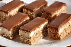 "Dessert of the day: Prajitura ""Bounty Bars"" Sweets Recipes, Easy Desserts, Baking Recipes, Cookie Recipes, Delicious Desserts, Yummy Food, Romanian Desserts, Romanian Food, Peach Yogurt Cake"
