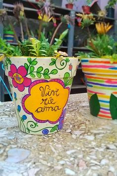 Clay Flower Pots, Painted Flower Pots, Painted Pots, Clay Pots, Hand Painted, Clay Pot Crafts, Diy And Crafts, Crafts For Kids, Arts And Crafts