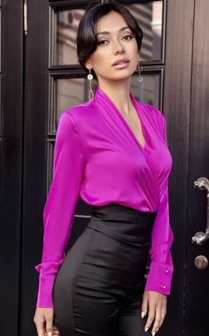 Sexy Blouse, Blouse And Skirt, Blouse Outfit, Grown Women, Satin Skirt, Satin Blouses, Leather Dresses, Jumpsuit Dress, Elegant Outfit