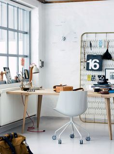 Check Out 25 Chic Scandinavian Home Office Designs. Scandinavian design is extremely popular now, so why not choose this style for your home office decor? Old Bed Springs, Mattress Springs, Mattress Frame, Box Springs, Diy Mattress, Workspace Inspiration, Interior Inspiration, Inspiration Wall, Creative Inspiration