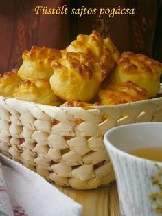 Hungarian Cuisine, Hungarian Recipes, Austrian Recipes, Austrian Food, Macaroni And Cheese, Main Dishes, Biscuits, Goodies, Food And Drink
