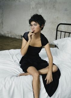69 Trendy Ideas For Hair Short Curly Pixie Audrey Tautou Pixie Cut Wavy Hair, Dark Pixie Cut, Short Curly Hair, Curly Hair Styles, Hair Cuts, Pixie Cuts, Wavy Pixie Haircut, Short Hair Back, Long Pixie