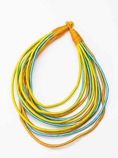 Этническое желто-голубое колье из ткани и ниток Masai Dance