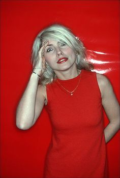 Debbie Harry, NewYork 1970's. Photo by Allan Tannenbaum. ☀