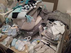 çà y est j'entre dans le 3ème et dernier trimestre de ma grossesse ! Du coup, je commence à vouloir acheter quelques trucs mais hormis pour la maternité où j'ai reçu une belle liste détaillée, ...