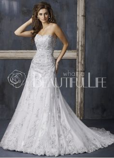 Sweetheart Satin A-Line Wedding Dress With Appliques
