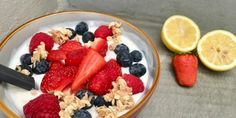 Oppskrifter Archives – Page 2 of 34 – Berit Nordstrand Clean Eating Recipes, Fruit Salad, Acai Bowl, Oatmeal, Breakfast, Desserts, Food, Night, Dish