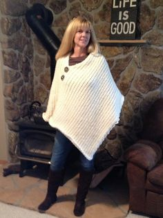 Ravelry: Loom Knit Favorite Poncho pattern by Dayna Scoles Spool Knitting, Loom Knitting Projects, Knitting Looms, Poncho Knitting Patterns, Loom Patterns, Crochet Shawl, Knit Crochet, Circle Loom, Loom Love