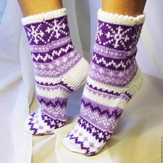 Knitted Slippers, Wool Socks, Knit Mittens, Crochet Slippers, Knitting Socks, Hand Knitting, Knitting Patterns, Knit Crochet, Crochet Patterns