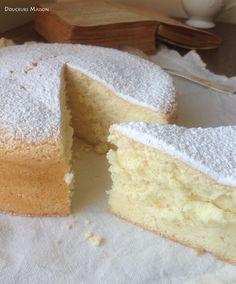 Chiffon cake A traditional cake … and gluten free! Bolo Genoise, Desserts Panna Cotta, Sweet Recipes, Cake Recipes, Thermomix Desserts, Traditional Cakes, Chiffon Cake, Sweet Cakes, Love Food