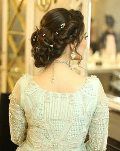 Hair style for party , function . Engagement Hairstyles, Wedding Bun Hairstyles, My Hairstyle, Party Hairstyles, Girl Hairstyles, Hairstyle Ideas, Hair Ideas, Pakistani Bridal Hairstyles, Pakistani Wedding Dresses