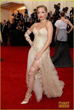 Rita Ora's Bare Leg is All Wrapped Up at Met Ball 2014 | rita ora met ball 2014 01 - Photo