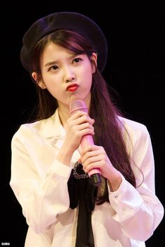 she is too cute. My heart flutters if you pout like that! Can I keep you in my pocket. This world is so cruel I'll protect you my precious cutie pie 💜 💜 💜 Poem mister # producers Iu Moon Lovers, Korean Girl, Asian Girl, Scarlet Heart Ryeo, Kim Chungha, Iu Fashion, Korean Artist, Korean Actresses, K Idols