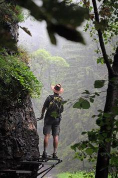 Słowacki Raj, Słowacja. Słowacki Raj nie ma nazwy na wyrost. To jeden z najpiękniejszych obszarów naturalnych na Słowacji. Słowacki Raj poprzecinany jest licznymi wąwozami, wąskimi dolinami i kanionami, które są dosłownym