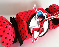 Caixa Bala Miraculous Ladybug 4th Birthday Parties, 8th Birthday, Cumpleaños Lady Bug, Miraculous Ladybug Party, Ladybug Crafts, Cosplay Diy, Party Kit, Diy Party Decorations, Cool Costumes