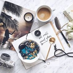 Life struggles ☕️ through our fave flat lays! Flat Lay Photography, Coffee Photography, Food Photography, Product Photography, Food Flatlay, Flatlay Styling, Breakfast Bowls, Breakfast Time, Flat Lay Inspiration