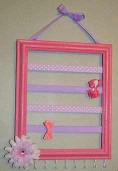 Coral and Gray Bow and Headband Holder, Hair bow holder, Jewelry Organizer, Barrette Hair bow and headband, picture frame hair bow storage - Kinder - Hair Bow Storage, Hair Accessories Storage, Headband Storage, Pink Purple Hair, Pink Lila, Pink Eyes, Picture Frame Crafts, Picture Frames, Painting Wooden Letters