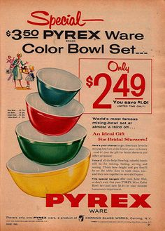 Did you know that Pyrex Glassware is 100 years old this year? I don't know about you, but I love my vintage Pyrex. I've been enjoying doing a little reading about the history of Pyrex and thi. Hd Vintage, Images Vintage, Photo Vintage, Vintage Posters, Vintage Food, Vintage Decor, Vintage Items, Pyrex Mixing Bowls, Pyrex Bowls