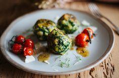 Spinatknödel Sprouts, Eggs, Vegetables, Breakfast, Recipes, Food, Period, Spicy Soup, Dumpling Recipe