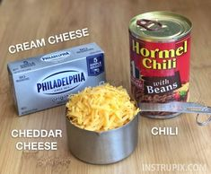 Easy 3 Ingredient Chili Cheese Dip (The BEST party appetizer! Best Party Appetizers, Quick And Easy Appetizers, Meat Appetizers, Appetizer Dips, Appetizer Recipes, Appetizer Party, Party Snacks, Hormel Chili Cheese Dip, Chili Cream Cheese Dip