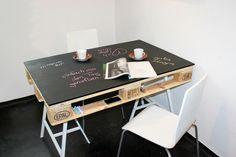 Esstische - Esstisch aus Europalette mit Kreidetafel - ein Designerstück von einfachma bei DaWanda
