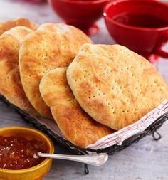 De här tekakorna är verkligen försvinnande goda. Njut dem nybakade med smör och ost.