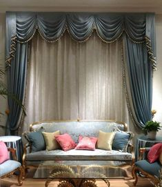 Interior flat modern windows & doors by archie-core modern Elegant Curtains, Modern Curtains, Curtains With Blinds, Valance, Drapery Panels, Modern Windows And Doors, Rideaux Design, House Plans With Photos, Drapery Designs