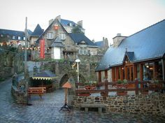 Dinan: Case di pietra e caffè - France-Voyage.com