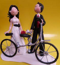novios deportistas hecho por cynthia alvarez Wedding Cake Toppers, Wedding Cakes, Mickey Mouse, Disney Characters, Grooms, Souvenirs, So Done, Wedding Gown Cakes, Cake Wedding