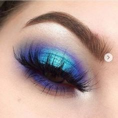 eyeshadow looks Spread the loveLooking for the best eyeshadow for brown eyes and a step by step eye makeup tutorial? Make your brown eyes stand out with different eyeshadow colors from Best Eyeshadow For Brown Eyes, Blue Eyeshadow Looks, Makeup Eye Looks, Eye Makeup Art, Blue Eye Makeup, Eye Makeup Tips, Makeup Eyeshadow, Makeup Ideas, Eyeshadows