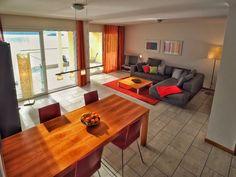 3,5 Zimmer Wohnung mit moderndem Wohnraum von #Ferienwohnungen #Locarno Modern, Table, Furniture, Home Decor, Locarno, Cottage House, Trendy Tree, Decoration Home, Room Decor