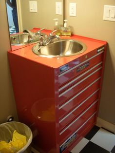 Metal Tool Box turned sink, a must have in the garage I thought I found this on my favorite tool blog and here it was on pinterest already.