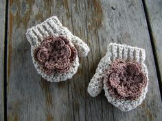 Crochet Patterns Mittens Girls Mittens with thumb and flower toddler, infant, baby, teen. Crochet Baby Mittens, Toddler Mittens, Crochet Baby Blanket Beginner, Crochet Diy, Baby Girl Crochet, Crochet Gloves, Crochet For Kids, Crochet Crafts, Yarn Crafts