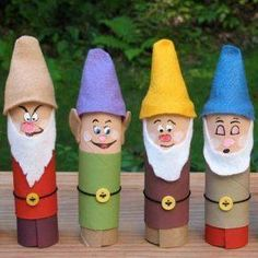 The Dwarfs made out of toilet rolls